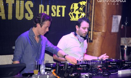 Chase__Status_on_the_decks